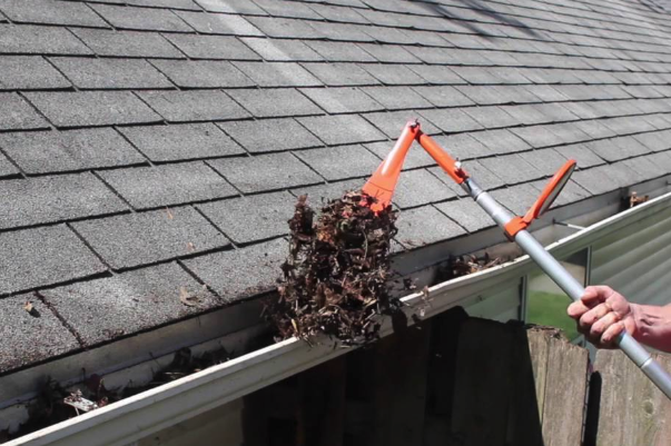 gutter cleaning Services in Iowa City