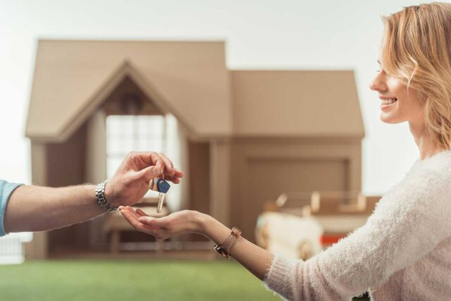 Lloyd Segal Shares Key Tips to Follow When Selling Distressed Properties